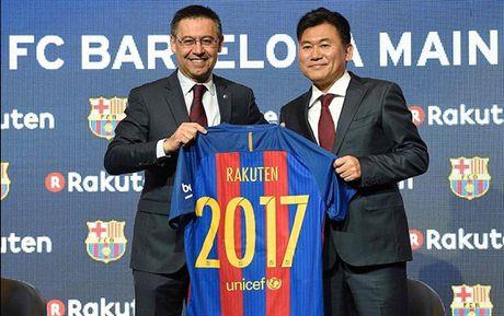 Barcelona CHINH THUC nhan tai tro khung tu Nhat Ban - Anh 1