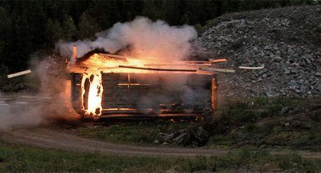 Khung khiep sung chong tang Carl Gustav 'xuyen tao' BMP-1 de dang - Anh 7