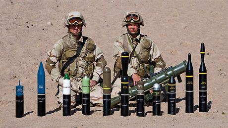 Khung khiep sung chong tang Carl Gustav 'xuyen tao' BMP-1 de dang - Anh 8