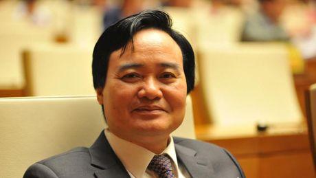 Sang nay, Bo truong Bo GD-DT 'dang dan' ve cai cach giao duc, doi moi phuong thuc thi - Anh 1