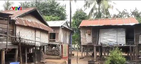 Vuong mac trong ho tro nha tranh lu tai mien nui Quang Tri - Anh 1