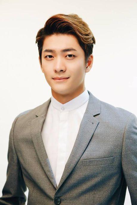 Kang Tae Oh dang yeu het co trong loat anh hau truong Tuoi thanh xuan 2 - Anh 9