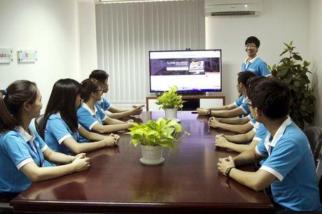 Sinh vien moi ra truong: Chon luong cao hay moi truong lam viec tot? - Anh 1
