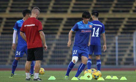 Tieu phau goi, Tuan Anh co nguy co ngoi xem AFF Cup - Anh 2