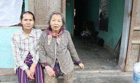 Mac loi khong biet… ngu, nguoi dan ba 'ki di' bi chong bo - Anh 1