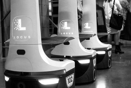 "Doi quan robot cong nhan tham gia ""cach mang ban hang"" - Anh 1"