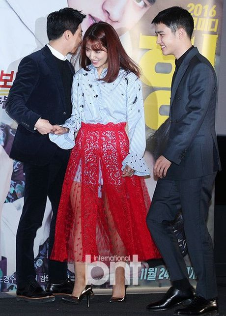 Park Shin Hye mac vay kho hieu, lo nhuoc diem chan - Anh 5