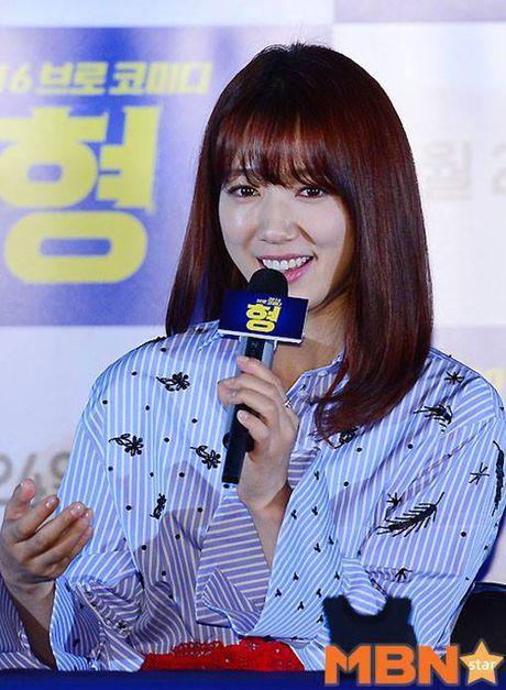 Park Shin Hye mac vay kho hieu, lo nhuoc diem chan - Anh 8