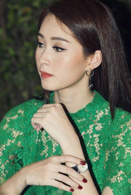 Thu Thao dien dam xuyen thau khoe ve dep dai cac - Anh 3