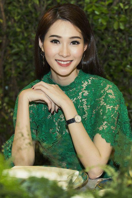 Thu Thao dien dam xuyen thau khoe ve dep dai cac - Anh 4