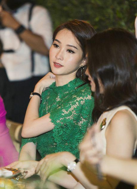 Thu Thao dien dam xuyen thau khoe ve dep dai cac - Anh 5