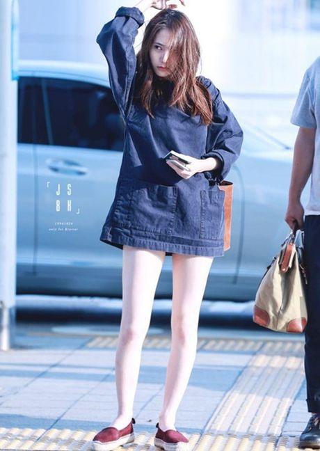 Doi chan thon dai dang ghen ty cua Krystal - Anh 3