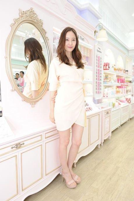 Doi chan thon dai dang ghen ty cua Krystal - Anh 9