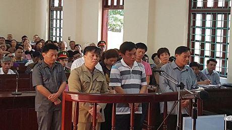Vinh Phuc: Hang loat cuu quan chuc TP Vinh Yen hau toa - Anh 1