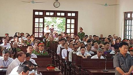 Vinh Phuc: Hang loat cuu quan chuc TP Vinh Yen hau toa - Anh 2