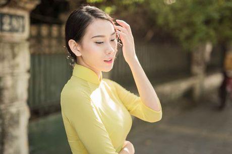 A hau Van Quynh dep me dam trong bo anh ao dai Ha thanh - Anh 1