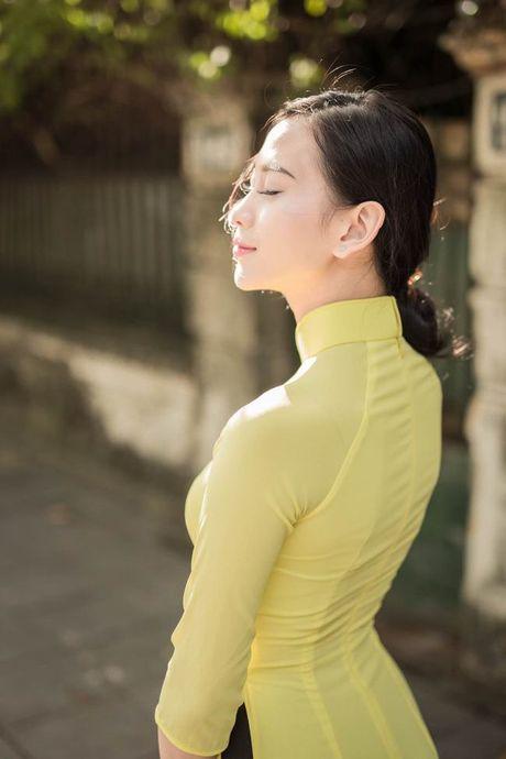 A hau Van Quynh dep me dam trong bo anh ao dai Ha thanh - Anh 2