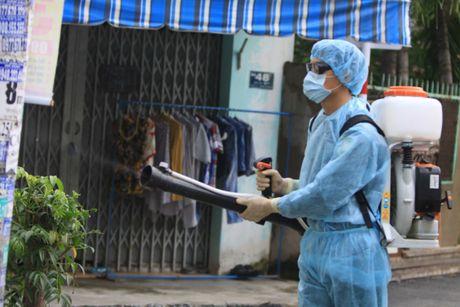 TP.HCM: Truong hoc khan truong doi pho voi virus Zika - Anh 1