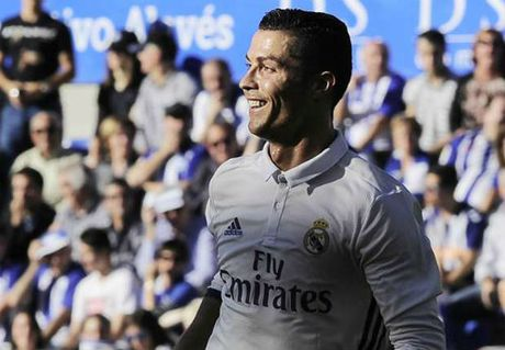 """Ai dam tin Ronaldo van """"keo cay"""" o tuoi 41? - Anh 2"""