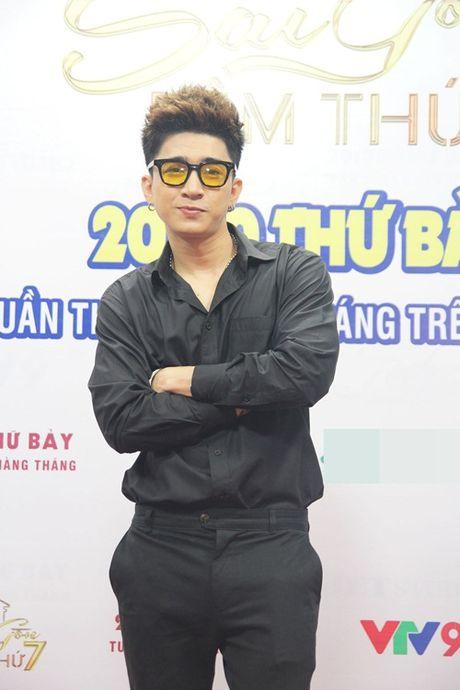 """Giang Hong Ngoc, Chi Dan """"run cam cap"""" khi phai hat truoc mat Lam Truong - Anh 6"""