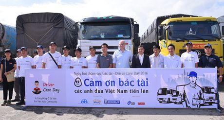 Ngay hoi cham soc bac tai lan dau tien tai Viet Nam - Anh 3