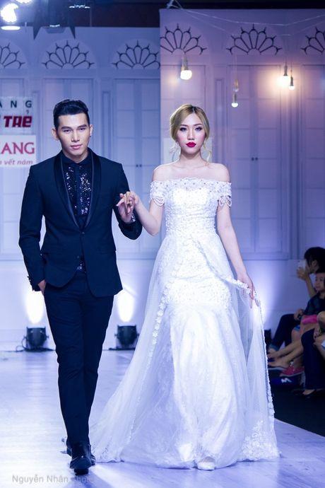 A vuong Ngoc Tinh banh bao lam chu re ben co dau A hau Le Hang - Anh 7