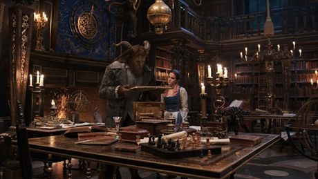Trailer 'Beauty and the Beast' lap ky luc moi - Anh 5