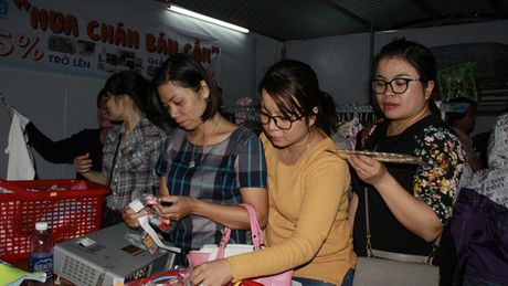 Phien cho dac biet cho cong nhan - Anh 1