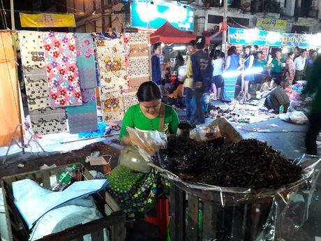 Thien duong an uong o pho dem Yangon - Anh 3
