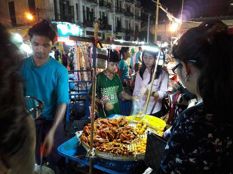 Thien duong an uong o pho dem Yangon - Anh 5