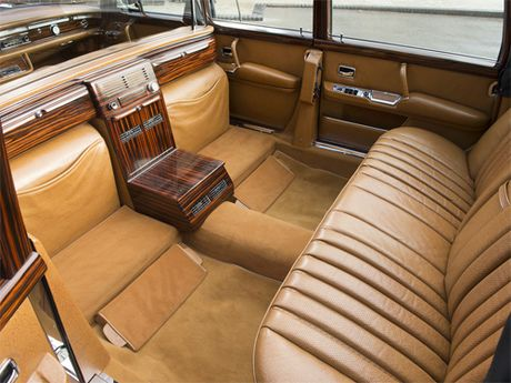 Mercedes 600 Pullman Landaulet - limo tong thong hang hiem - Anh 11