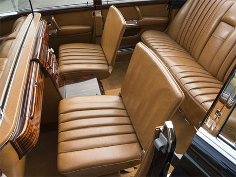 Mercedes 600 Pullman Landaulet - limo tong thong hang hiem - Anh 7