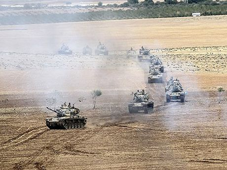 Gan 100 xe tang quan doi Tho Nhi Ky ram rap tien vao Syria - Anh 1