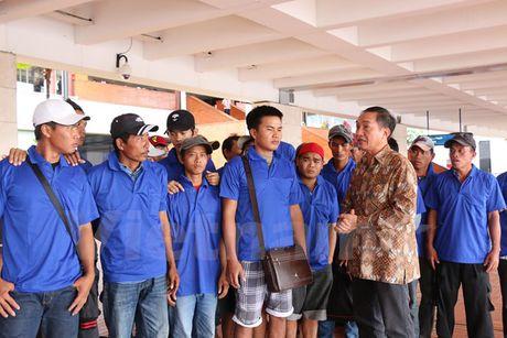 Them 39 ngu dan Viet duoc Indonesia trao tra - Anh 1