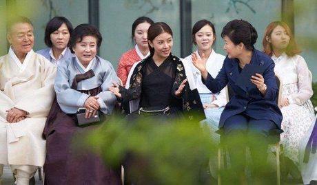 Tong thong Han Quoc bi cuoi nhao vi su dung ten nu chinh trong phim 'Secret Garden' lam bi danh - Anh 3