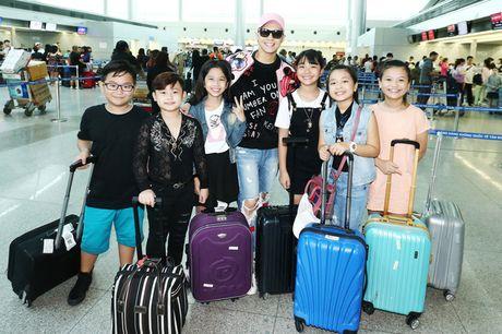 Sau liveshow dinh dam, Noo Phuoc Thinh dan ca team The Voice Kids den Thai Lan du ngoan - Anh 1