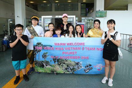 Sau liveshow dinh dam, Noo Phuoc Thinh dan ca team The Voice Kids den Thai Lan du ngoan - Anh 2