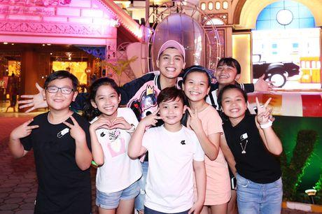 Sau liveshow dinh dam, Noo Phuoc Thinh dan ca team The Voice Kids den Thai Lan du ngoan - Anh 7