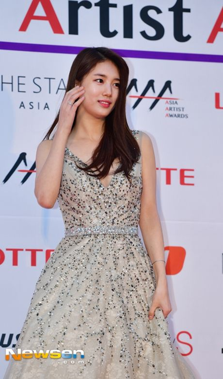 Tham do Asia Artist Awards: Yoona, Suzy, Chi Pu do style cong chua, Park Shin Hye bi che dien do 'ba co' - Anh 6