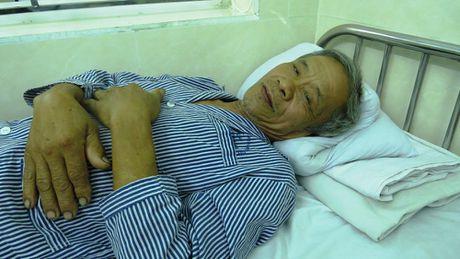Hai Phong: Tham phan va em trai hanh hung bo vo cu trong thuong - Anh 1