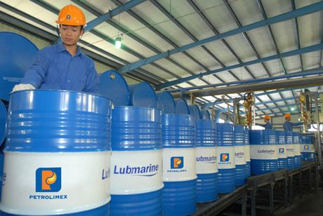 PLC dieu chinh giam 37% loi nhuan - Anh 1