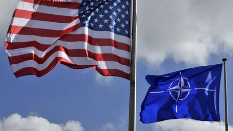 EU lo tham vong thuc su: NATO hay quan doi rieng - Anh 3