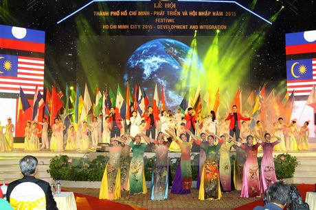 Le hoi 'Thanh pho Ho Chi Minh - Phat trien va hoi nhap' - Anh 1