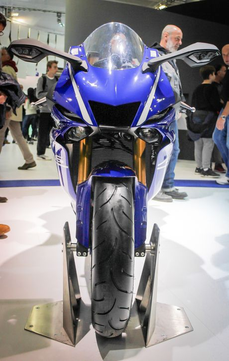 Yamaha R6 2017 thay doi dien mao hoan toan - Anh 2