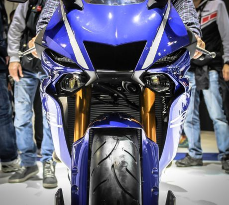 Yamaha R6 2017 thay doi dien mao hoan toan - Anh 4
