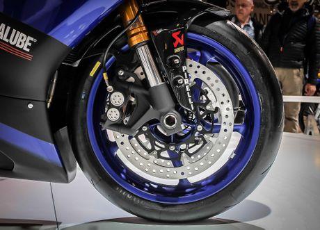 Yamaha R6 2017 thay doi dien mao hoan toan - Anh 6