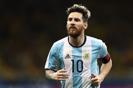 Argentina vs Colombia: Ky vong tren vai Messi - Anh 1