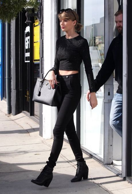 Chi voi mot chiec quan jeans, Taylor Swift bien hoa du kieu - Anh 10