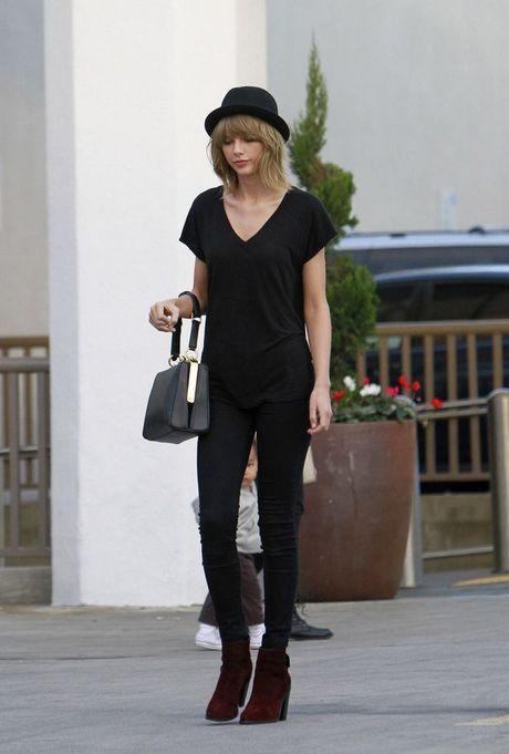Chi voi mot chiec quan jeans, Taylor Swift bien hoa du kieu - Anh 6