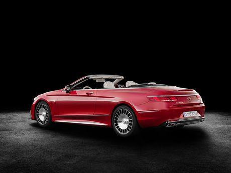 Mercedes-Maybach mui tran ra mat voi gia gan 322.000 USD - Anh 2